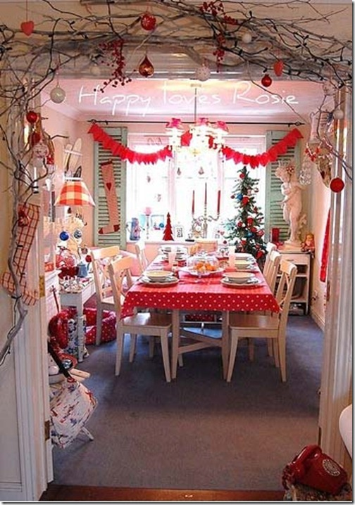8 ideas to decorate christmas trees for Ideas to decorate dining room table for christmas