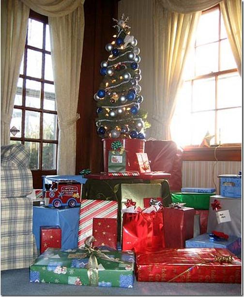 Christmas_Tree_Decorating_Ideas_3