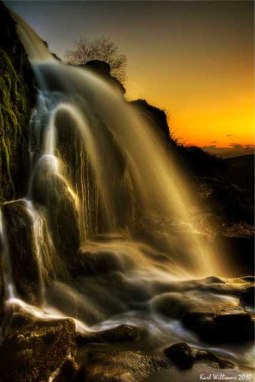 Extremely Majestic Waterfall Photographs Around The World