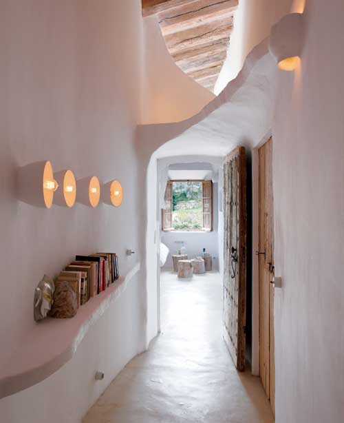 Beautiful Designed Modern Cave You Probably Never Want To Miss