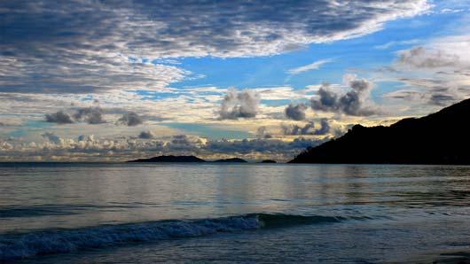 Mac OS X Lion Wallpaper Seychelles Beautiful Beach