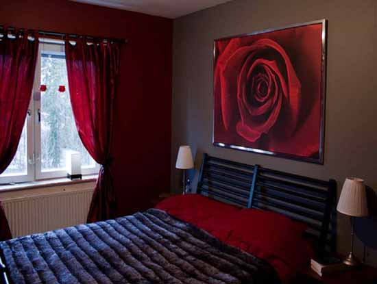 Wonderful red bedroom décor-12