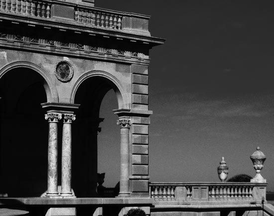 Building Black and white photography