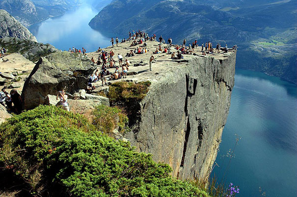 Preikestolen, Nor