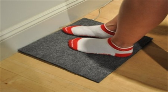 11. WARMFOOT HEATED FOOT PAD