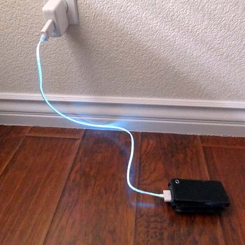 9-Illuminating Charger by Dexim