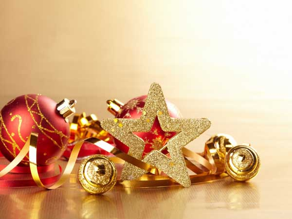 New_Year_wallpapers_Beautiful_New_Year_s_toys