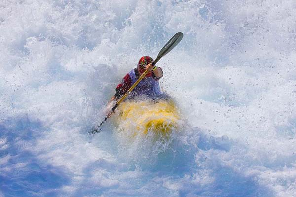 18-Extreme Kayaking
