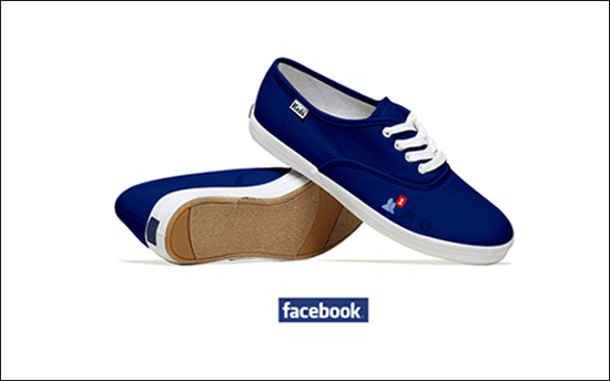 Social Networking Shoe